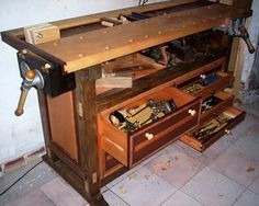 Woodworking by Hand: Tool Chest Bench