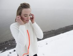 End your futile battling with your tangled headphone cord with Turtleneck, the tangle free headphone solution.