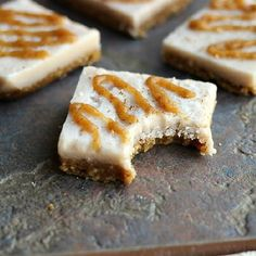 Raw Cinnamon Roll Bars with Caramel Drizzle...a HEALTHY, delicious treat reminiscent of your breakfast pastry! {Vegan, Paleo}