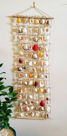 Seashell Painting, Seashell Art, Seashell Crafts, Beach Crafts, Hanging Wall Art, Wall Art Decor, Shell Display, Seashell Projects, Crafts To Make And Sell