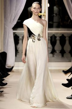 Giambattista Valli Spring 2012 Couture Collection Photos - Vogue