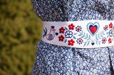 Ahojte milé Sashenky ❤️,  veru tak, v týchto dňoch moja skromná značka Folková oslavuje prvé narodeniny. Utieklo to rýchlo, no uvedomila som si to až dnes, keď som pozerala svoj priečinok v počí... Pastel Belts, Needlework, Dress Up, Embroidery, Stitch, Patterns, Tattoos, Handmade, Wedding