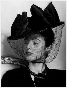 Model in veiled black straw hat, photo by Regina Relang, Berlin, 1943 1940s Fashion, Fashion Models, Vintage Fashion, Victorian Fashion, High Fashion, Fashion Editor, Fashion Fashion, Fashion Trends, 1940s Hats