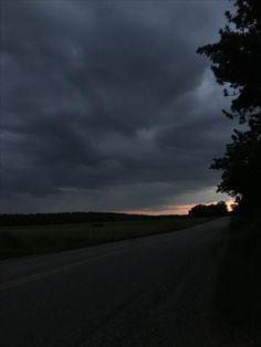 Night Aesthetic, City Aesthetic, Dark Photography, Street Photography, The Sky Is Everywhere, Pretty Sky, Dark Paradise, Tumblr Wallpaper, Belle Photo