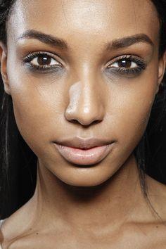 Marc Jacobs Fall 2012. http://votetrends.com/polls/369/share #makeup #beauty…