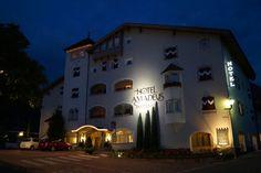 Hotel Amadeus, Auer.