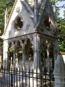 In Paris, even the cemetaries are beautiful.    photo: justtrust487  http://travel.webshots.com/photo/2132895770077886730AYZpjo