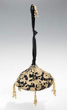 French Callot Soers Evening Bag or Pouch Linen & Silk Century European Bag Silk circa 1805 French Even. Vintage Purses, Vintage Bags, Vintage Handbags, Vintage Outfits, Edwardian Fashion, Vintage Fashion, French Fashion, 1930s Fashion, Antique Clothing