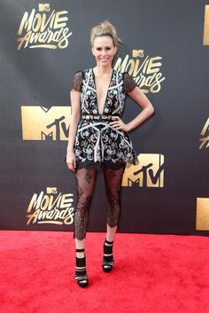 14 Unforgettable Red Carpet Looks of the 2016 MTV Movie Awards via Brit + Co