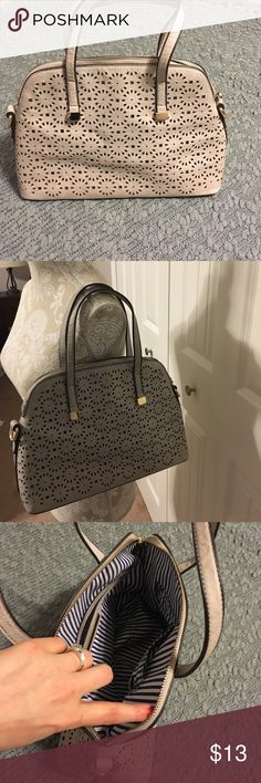 Street Level cream purse from Francesca Closet Tan color. Used but in good condition. Does not come with long strap that attaches. Cute purse. Francesca's Collections Bags