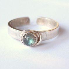 Labradorite Toe Ring gemstone toe rings stone of door wingedwomanart