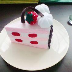 Felt strawberry short cake pattern (pdf ebook felt patterns and instructions via email)