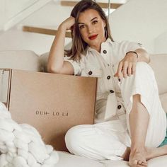 "Cartonajes Alboraya S.A on Instagram: ""✅Impresionante @ouhlola_es  y @noemimisma ✅ Si quieres estar a la última en moda, no lo dudes necesitas ❤️ @ouhlola_es ❤️ #moda #ropa…"" Hat Boxes, Box Packaging, Instagram, Fashion, Latest Fashion, Awesome, Impressionism, Moda, Fashion Styles"