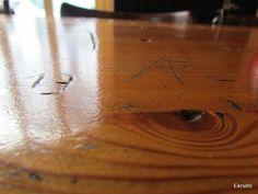 Ce samedi PJI vous sert: des apéros sur l'actu du jour et quelques spécialités maison. Hardwood Floors, Flooring, Bamboo Cutting Board, Investigations, Pj, Texture, Crafts, Home, Wood Floor Tiles