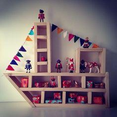 ... stoomboot. Op Pinterest zag ik een foto van een houten stoomboot. Bron onbekend. Ik pin me me een slag in de rondte daar. Onde... Activities For Boys, Saint Nicholas, Home Deco, Diy For Kids, Decoration, Christmas Diy, Diy And Crafts, Projects To Try, Holiday Decor
