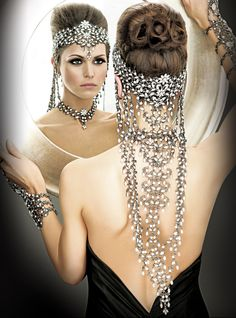 Wedding Hairstyles - Hair - Beach Wedding Hair > Hair – Weddbook - The Effective Pictures We Offer You About beach wedding hairstyles braid A quality pi Beach Wedding Hair, Wedding Crowns, Beach Hair, Bridal Hair, Head Jewelry, Glamour, Mode Editorials, Headgear, Belly Dance