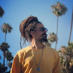 Dread mar I Hippie Lifestyle, Green Valley, Reggae Music, Peace And Love, Beautiful Men, Dreadlocks, Hair Styles, Babe, Posters