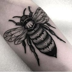 Search inspiration for a Blackwork tattoo. Time Tattoos, Body Art Tattoos, Hand Tattoos, Sleeve Tattoos, Cool Tattoos, Bug Tattoo, Insect Tattoo, Spider Tattoo, Blackwork