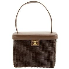 Preowned Chanel Vintage Brown Wicker Picnic Basket Bag (19.465 RON) ❤ liked on Polyvore featuring bags, handbags, brown, top handle bags, brown leather purse, woven handbags, chanel purse, woven leather purse and leather purses