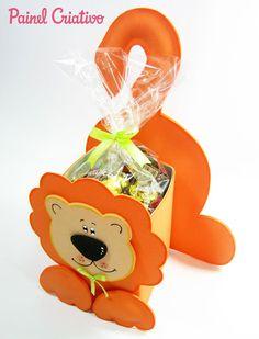 como fazer lembrancinha EVA caixinha de leite dia das criancas aniversario infantil porta guloseima leaozinho safari  (1)