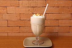 Frape de coco do camomila bistrô e café