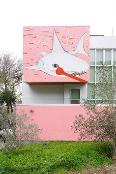home with pink shark mural in bernal heights / sfgirlbybay