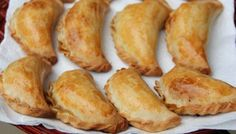How to make empanada dough for baking