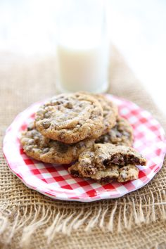 Soft, chewy, chocolate-studded cookies, just like the ones from your favorite hotel!