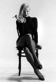 "Susan Oliver - ""The Green Eyed Blonde"" People Smoking, Women Smoking, Golden Age Of Hollywood, Vintage Hollywood, Susan Oliver, Beautiful Celebrities, Beautiful Women, Beautiful Legs, Led Zeppelin Poster"