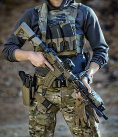 Guns I like ,gear I like ,simple. : Photo