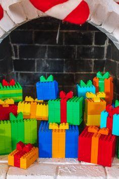 Lego Christmas Presents, Lego Presents, Lego Christmas Ornaments, Lego Christmas Village, Kids Christmas, Christmas Activities, Christmas Projects, Minecraft Lego, Minecraft Buildings