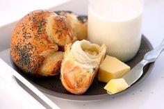 Maślane rogaliki śniadaniowe Home Bakery, Pizza Rolls, Croissants, Bagel, Scones, Sweet Recipes, Food And Drink, Daughter, Bread