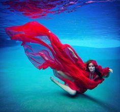 Mario Peraza beautiful I love water photography Underwater Model, Underwater Photoshoot, Underwater Art, Underwater Photography, Amazing Photography, Art Photography, Fashion Photography, Street Photography, Landscape Photography