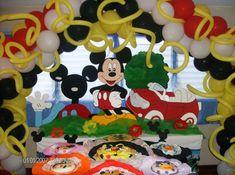 decoracion con globos de mickey mouse