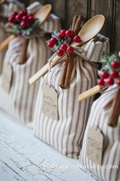 Cute handcrafted cookie sack ~ Cookie exchange! #MerryMerry @TheDailyBasics ♥♥♥