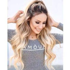 half up hair long blonde curls