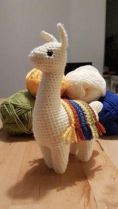 I made a llovely llitle llama! Kawaii Crochet, Cute Crochet, Crochet Crafts, Yarn Crafts, Crochet Projects, Sewing Crafts, Knit Crochet, Sewing Projects, Crochet Geek