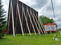 Old time drive-in theater with two outdoor screens for retro & current films, plus a snack stand. Bridgton, Maine