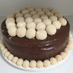 Bom dia com bolo de Nutella com brigadeiro de leite ninho com nutella #sweetshot…
