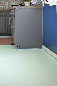 DIY Painted and Stenciled Linoleum Floor :: Hometalk