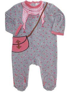 Pijama de terciopelo con motivos de fantasía                                                                                       ...