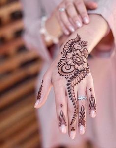 Mehndi Designs Finger, Modern Mehndi Designs, Mehndi Designs For Beginners, Mehndi Design Photos, Henna Designs Easy, Mehndi Designs For Fingers, Beautiful Mehndi Design, Dulhan Mehndi Designs, Bridal Henna Designs
