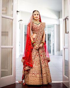 TBT this beautiful bride Wedding Lehenga Designs, Indian Wedding Lehenga, Designer Bridal Lehenga, Bridal Lehenga Choli, Wedding Lehanga, Wedding Sari, Red Lehenga, Indian Lehenga, Indian Weddings