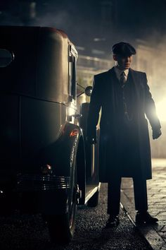 Peaky Blinders - Episode publicity still of Cillian Murphy . Peaky Blinders - Episode publicity still of Cillian… - © COPYRIGHT - Peaky Blinders Saison, Peaky Blinders Theme, Peaky Blinders Season 5, Peaky Blinders Poster, Peaky Blinders Wallpaper, Peaky Blinders Series, Cillian Murphy Peaky Blinders, Gangsters, 1920s Mens Clothing