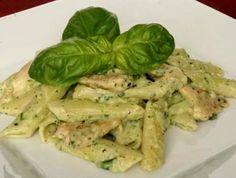 těstoviny s kuřecím a bazalkovým pestem Asparagus, Healthy Snacks, Chicken Recipes, Food And Drink, Pasta, Lunch, Meat, Vegetables, Health Snacks