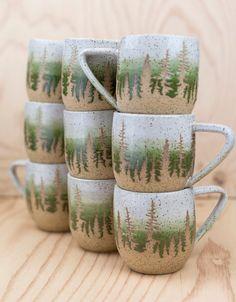 Green Pine Tree Ceramic Mug - Grünen Baum Keramik-Becher Pottery Bowls, Ceramic Pottery, Thrown Pottery, Ceramics Pottery Mugs, Painted Ceramics, Slab Pottery, Tassen Design, Keramik Design, Sculpture Techniques