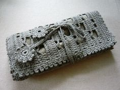 crochet clutch. I want to make this!!