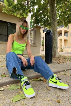 Trip maxi skater jean in mid blue. – Long Skater Jean fit – Ragged Jeans Spring 19 Collection – Cotton – Branded tab – Sizes – Model is and wears size Green Outfits For Women, Neon Green Outfits, Retro Outfits, Chic Outfits, Fashion Outfits, Aesthetic Fashion, Aesthetic Clothes, Urban Aesthetic, Jeans Skater