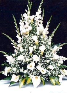arreglos florales con gladiolos para iglesias - Buscar con Google