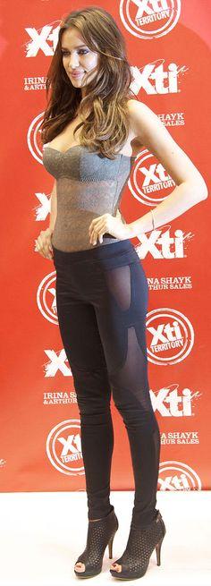 Irina Shayk leggings